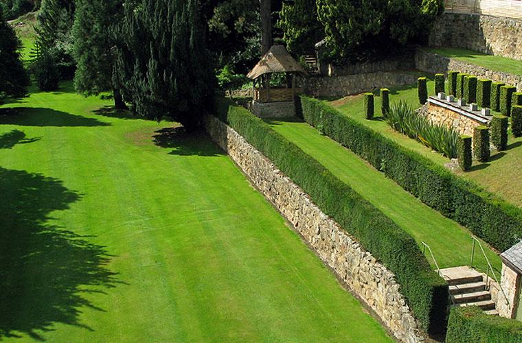 Bryn Tanat gardens